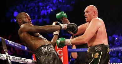 Foto Британец Тайсон Фьюри победил американца Деонтея Уайлдера в бое-реванше и отобрал титул чемпиона мира по боксу в тяжелом весе по версии WBC 4 14.06.2021
