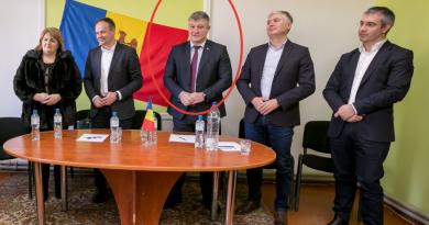 Foto Парламентскую фракцию Демпартии покинул еще один депутат 2 29.07.2021