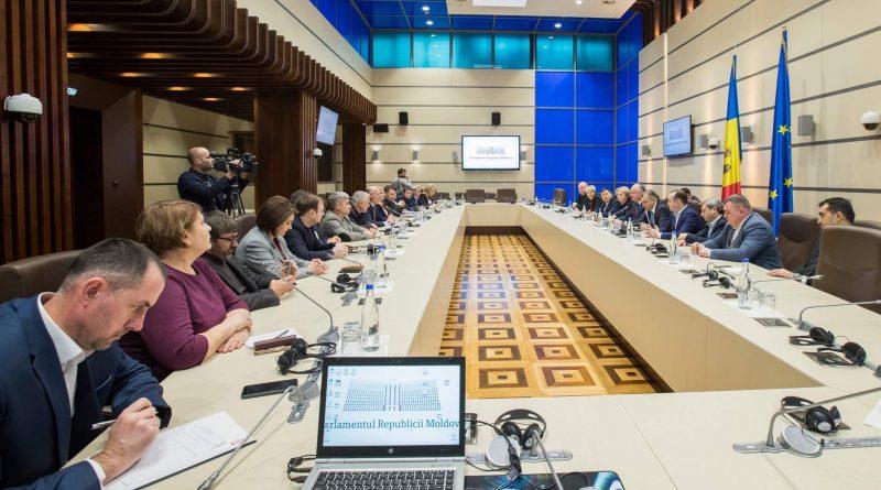 Foto În Parlament a avut loc o întâlnire de lucru cu participarea conducerii țării, precum și a liderilor PSRM și PDM 1 29.07.2021