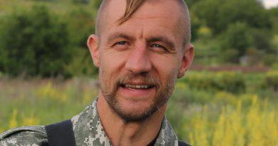 """Герой украинского """"Евромайдана"""", экс-депутат Рады, стал таксистом 2"""