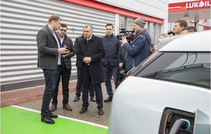 Премьер-министр Ион Кику посетил компанию, которая инвестирует в создание 70 зарядных станций для электромобилей 34 15.05.2021