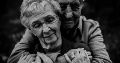 Примария мун. Бэлць выделила около 90 тысяч леев на единовременное пособие для семейных пар, проживших 50 и 60 лет в совместном браке