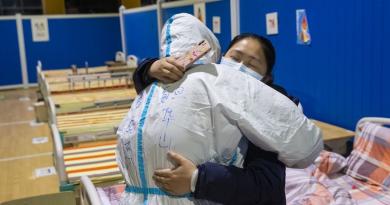 В китайском Ухане закрыли последний временный госпиталь из-за того, что эпидемия коронавируса пошла на спад 3 08.03.2021