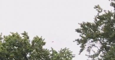 Foto Жителей Шотландии удивил неопознанный летающий объект в небе (Видео) 2 25.07.2021