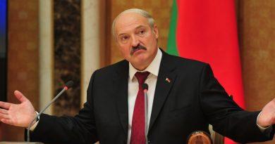 Президент Беларуси Александр Лукашенко решил не возвращать белорусов из-за рубежа: Пускай там и сидят, если выехали 2