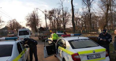 /FOTO/ Conducătorii auto a transportului de călători din Bălți au fost verificați de către angajații Inspectoratului de Poliție