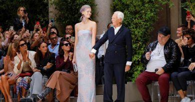 Creatorul de modă Giorgio Armani va produce haine de protecţie pentru medicii din Italia 1 14.04.2021