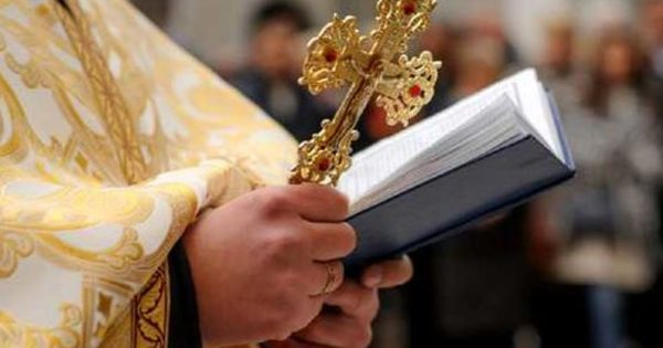Un preot din Soroca amendat pentru oficierea unei slujbe cu enoriași