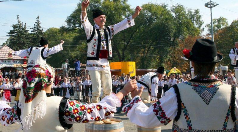 Жители Молдовы и Таджикистана считают себя более счастливыми, если сравнивать с жителями России 1 11.05.2021