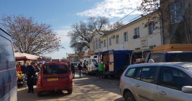 Распоряжение вице-примара Н. Григоришина по незаконной торговле на проезжей части по М. Витязул игнорируется службами примарии и полицией 3