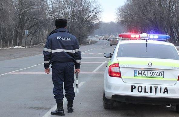 Foto Un adolescent din Bălți a fost reținut conducând în stare de ebrietate mașina tatălui său 1 16.06.2021