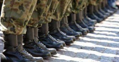Vârsta limită pentru serviciul militar prin contract poate fi majorată