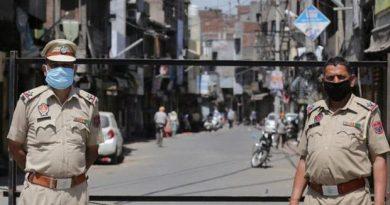 """Foto В Индии туристов заставили 500 раз писать """"извините"""" за нарушение карантина 2 29.07.2021"""
