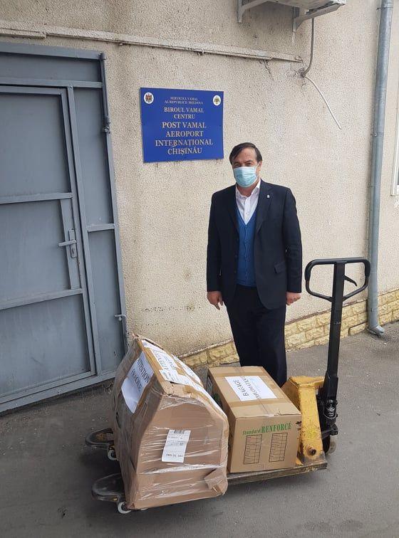 Un medic din Franța a donat Spitalului Raional Soroca un aparat performant de ventilație a plămânilor 2 17.04.2021