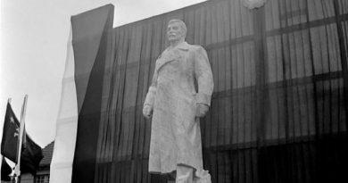 В Чехии продают памятник Сталину из-за дефицита в бюджете 2 11.05.2021
