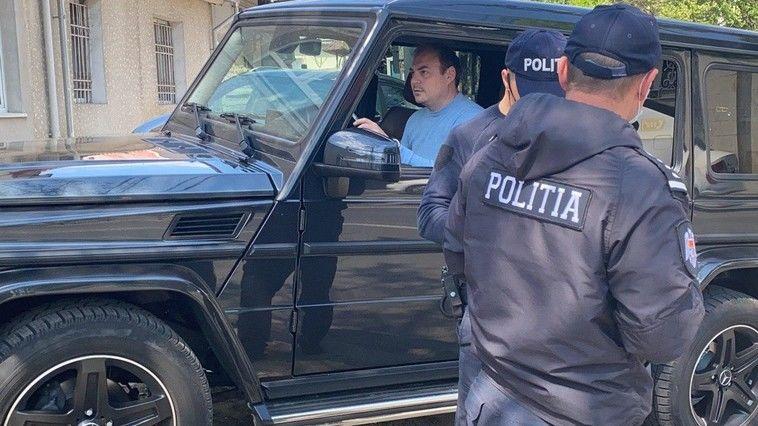 Депутат от ДПМ Никифорчук припарковал свой роскошный Mercedes, стоимостью около 170 тысяч евро, прямо на тротуаре в центре Кишинева 1 12.05.2021