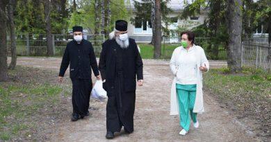 Episcopia de Bălţi a donat 13 000 de lei pentru sistemul sanitar din Edineţ 2 18.04.2021