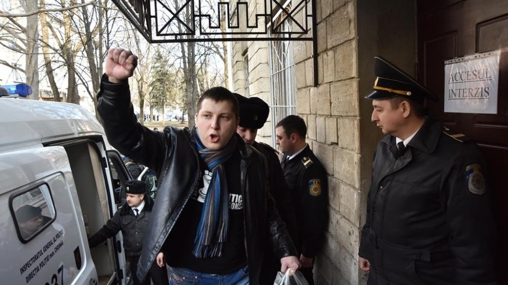Примар Бэлць Ренато Усатый собрал на протест в Кишиневе около 20 человек 2 12.05.2021