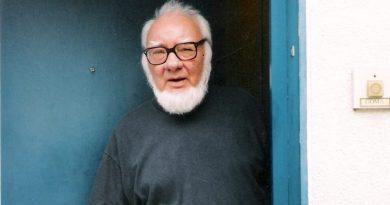 Paul Goma decorat post mortem cu distincţia Crucea Mitropoliei Basarabiei pentru mireni