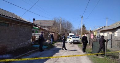 Un bărbat din Bălți a fost găsit cu gâtul tăiat în propria locuință 1