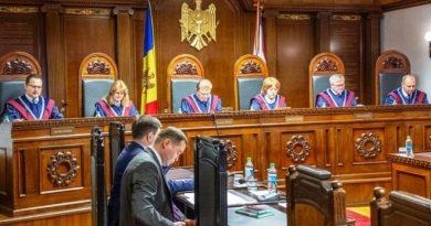 Curtea Constituțională a suspendat legea privind creditul rusesc 2