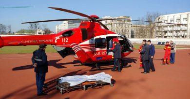 /VIDEO/ O femeie a fost transportată de urgență cu elicopterul SMURD de la spitalul raional Ocnița la Spitalul Republican 1 14.04.2021