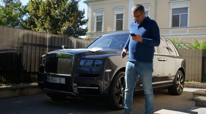 Foto Примар Бэлць продает один из своих люксовых автомобилей, обещая выдать местному медперсоналу разовую доплату к зарплатам 1 16.06.2021