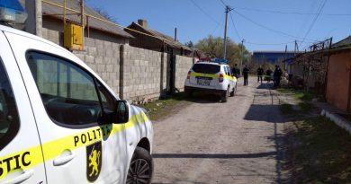 Poliția a reținut doi suspecți în cazul omorului din Bălți 1