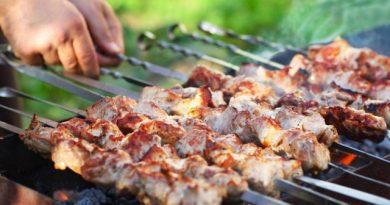 Grătarele în locuri publice sunt interzise până pe 30 iunie