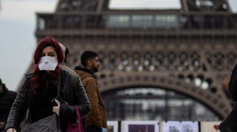 Foto В Париже каждому жителю предоставят бесплатную многоразовую защитную маску 1 23.06.2021