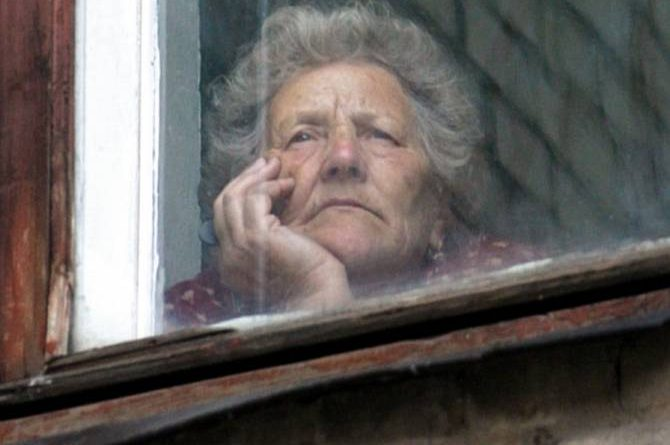 Люди старше 63 лет будут ограничены в передвижении до 30 мая