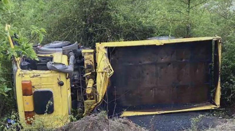 Foto Accident pe șoseaua Balcani: O camionetă s-a inversat în șanț 1 29.07.2021