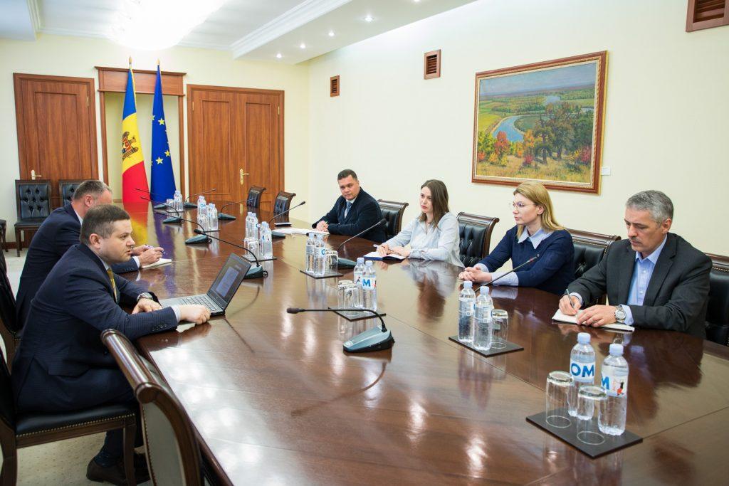 Foto Prim-ministrul a discutat problemele confruntate de companiile specializate în prestarea serviciilor turistice 2 25.07.2021