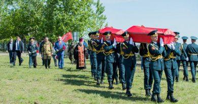Foto Президент Молдовы принял участие в церемонии захоронения останков 45 воинов Красной армии на Шерпенском плацдарм 4 05.08.2021