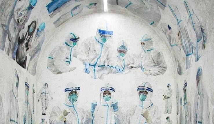 Chipul medicilor îmbrăcați în haine de protecție împotriva COVID-19 ar putea apărea pictat într-o biserică din Bălți