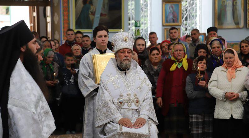 /FOTO/ Slujbă cu încălcări grave surprinsă la mănăstirea Japca din raionul Florești