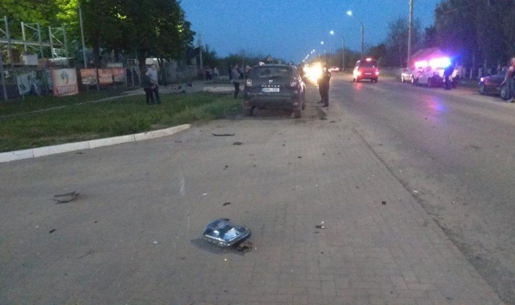 /FOTO/ Accident la Sângerei. Doi tineri au ajuns la spital 3 12.05.2021