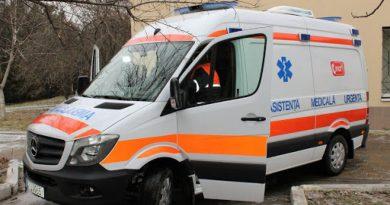 Foto Un copil a fost lovit în plin de o ambulanță pe o trecere de pietoni din Bălți 1 24.07.2021
