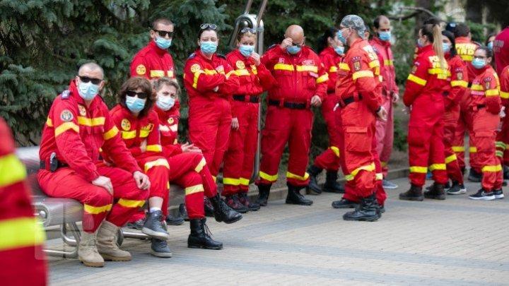 Numărul medicilor români aflați în misiune în țara noastră care s-au infectat de coronavirus se ridică la șapte