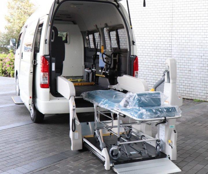 Foto /FOTO/ Vezi cum arată prima ambulanță proiectată pentru transportul pacienților de coronavirus 1 14.06.2021