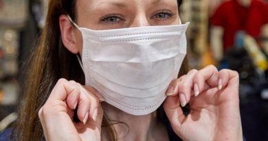 Foto В Кишиневе с завтрашнего дня, 7 мая, во всех торговых помещениях, аптеках, ношение средств защиты рта и носа является обязательным 2 28.07.2021
