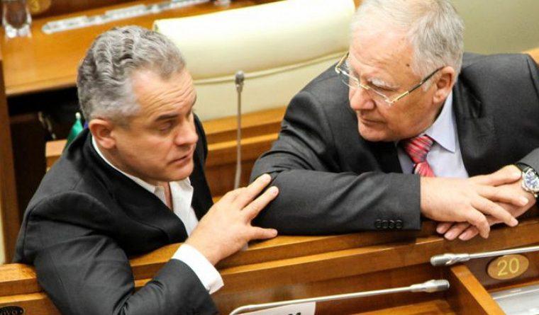 Foto Почетный председатель ДПМ Дмитрий Дьяков: Четыре депутата покинули Демпартию за очень большие суммы 1 29.07.2021