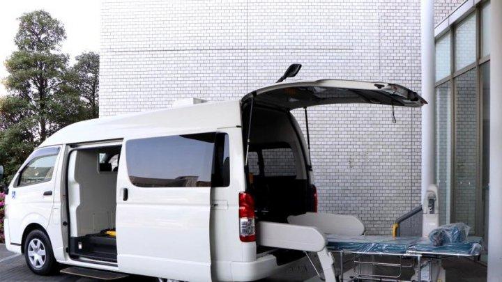 /FOTO/ Vezi cum arată prima ambulanță proiectată pentru transportul pacienților de coronavirus