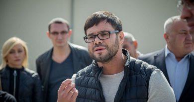 Foto Кишиневские зоозащитники устроили протест перед столичным Центром стерилизации бездомных животных и потребовали отставки его директора Романа Трахтмана 3 01.08.2021