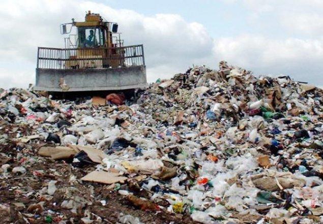 Moldovenii aruncă tot mai mult gunoi