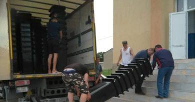 Locuitorii satului Bădiceni vor beneficia de pubele pentru colectarea gunoiului menajer