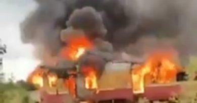 Trenul pentru pasageri de pe ruta Bălți – Ocnița a fost cuprins de flăcări