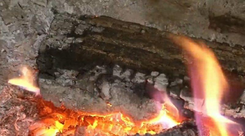 O casă din raionul Drochia a fost mistuită de flăcări