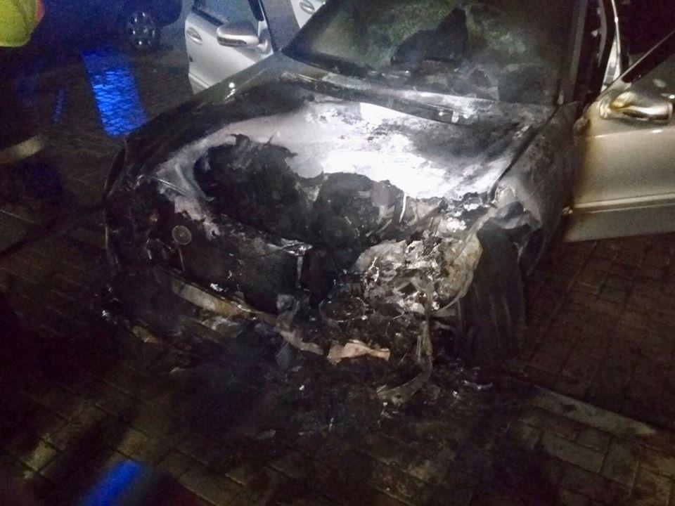 Foto /FOTO/ Un alt automobil a fost cuprins de flăcări la Bălți 2 16.06.2021