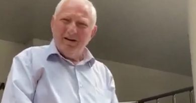 /VIDEO/ Deputat PSRM filmat cum înjură o echipă de jurnaliști